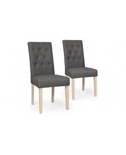 Cómoda silla de tela y madera.